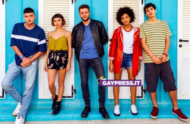 Summertime serie Netflix a tematica gay con un bacio omosessuale nel trailer