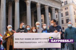 Legge sull'omofobia comunità lgbt+ fa un sit-in a Roma perché l'articolo 3 ddl omotransfobia va modificato gaypress