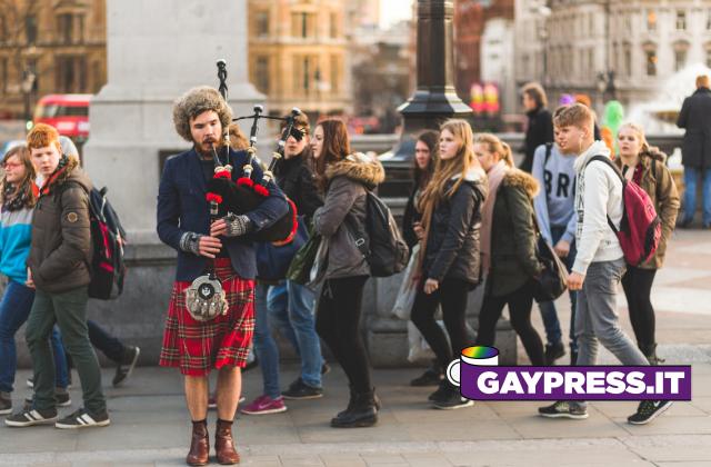 legge omotransfobia in Italia si è liberi di discriminare. La Scozia propone di non farlo nemmeno in casa