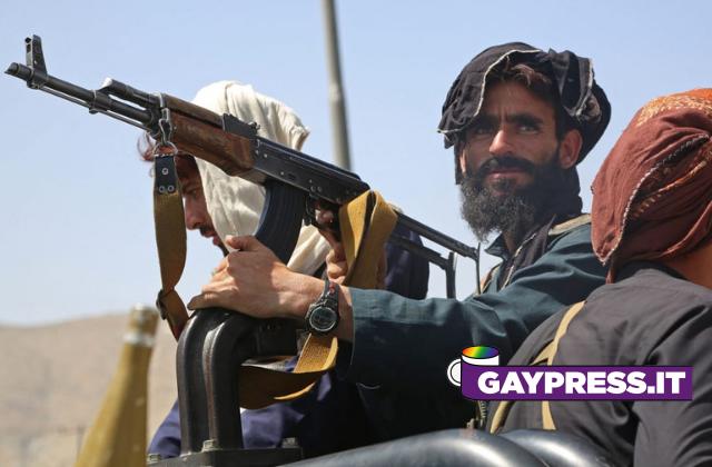 Pena di morte per i gay in Afghanistan con il ritorno al potere dei talebani: gay sepolti vivi sotto un muro o lapidati